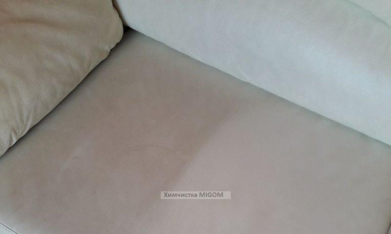 чистка дивана из экокожи фото